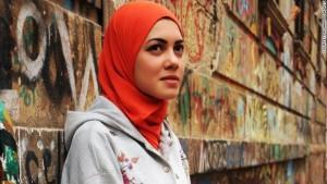 Foto tomada de https://expansion.mx/mundo/2014/04/05/mayam-mahmoud-la-rapera-que-aboga-por-las-mujeres-en-egipto